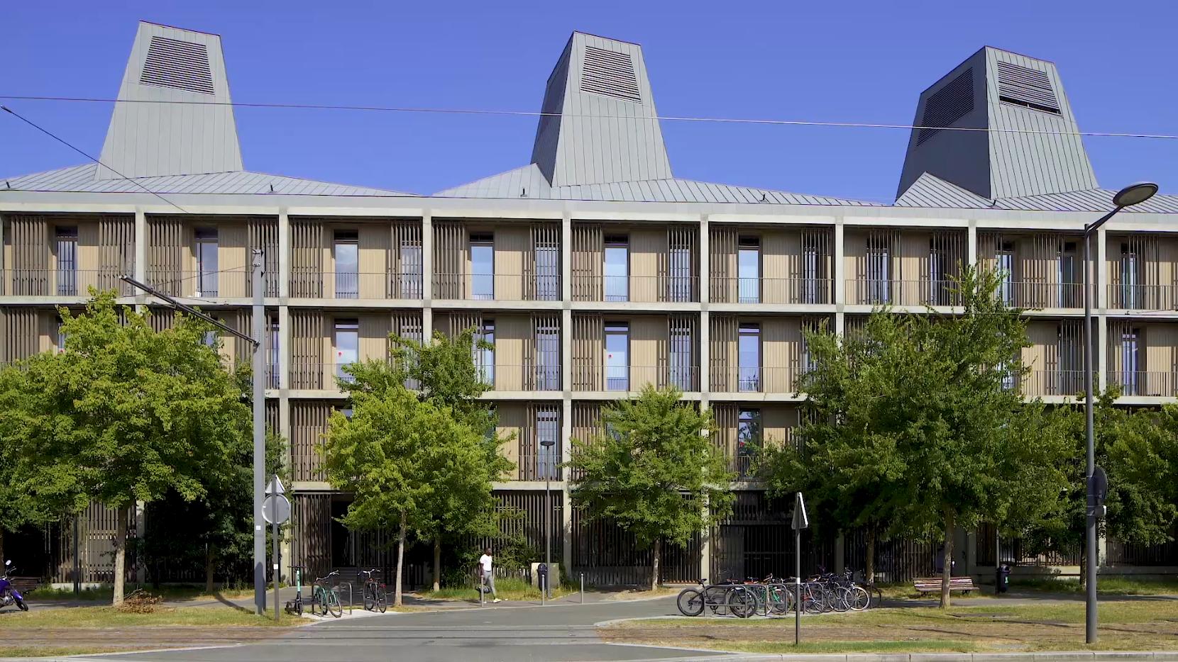 Bordeaux Low Consumption Office