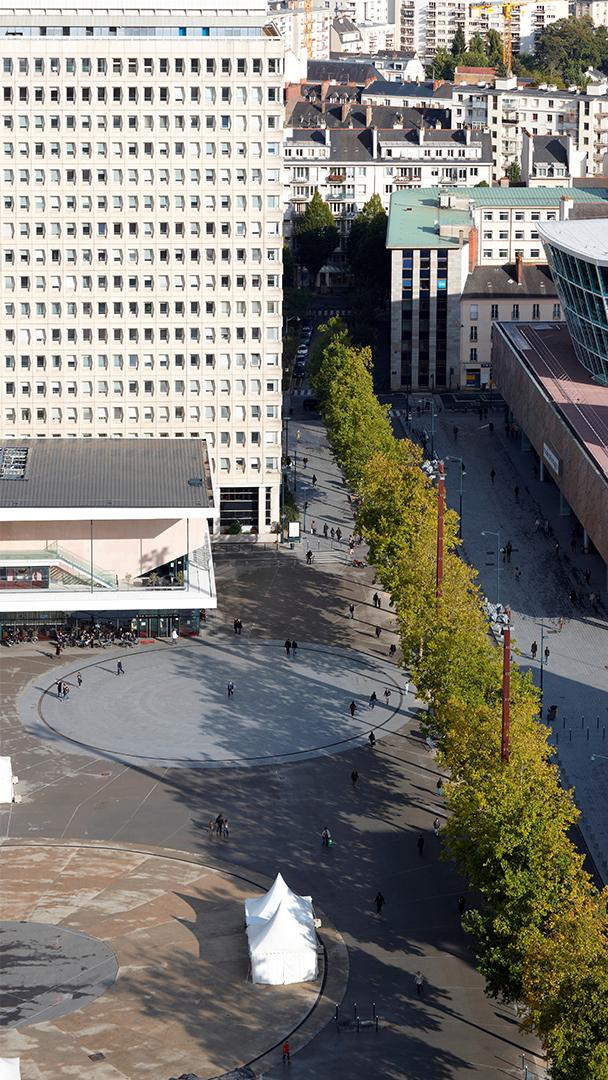 Esplanade Charles-de-Gaulle